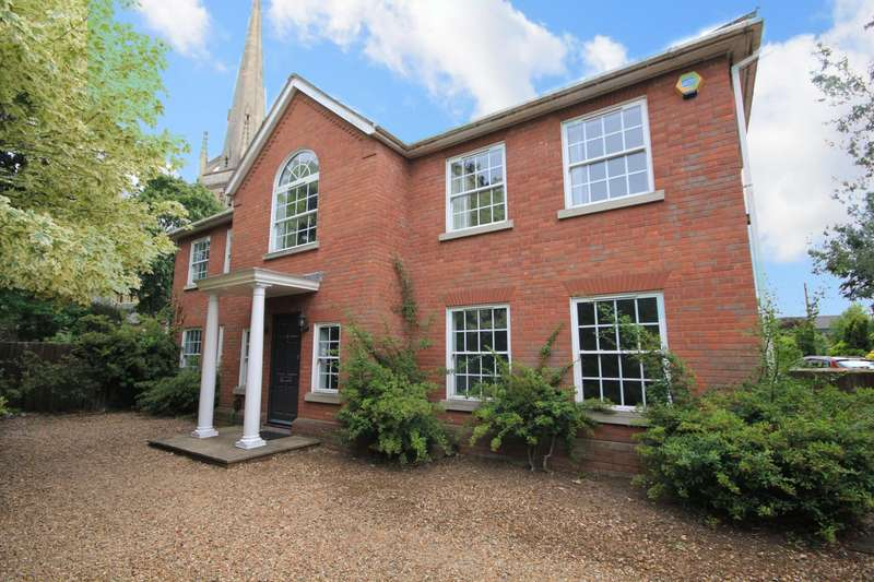 4 Bedrooms Detached House for rent in Glebe Road, Reading, RG2