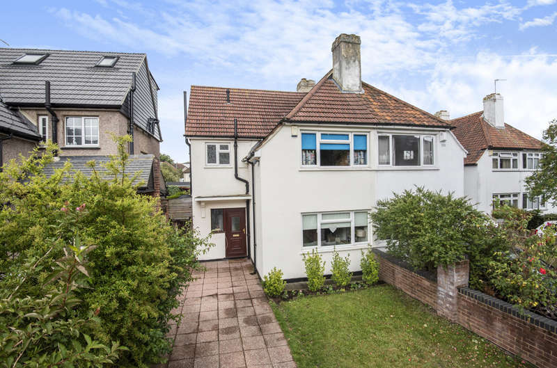 4 Bedrooms Semi Detached House for sale in Clarence Road, London, SE9