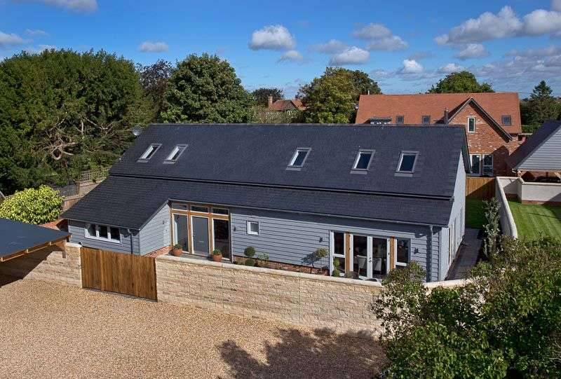 4 Bedrooms Property for sale in Church Street, West Hanney, Wantage