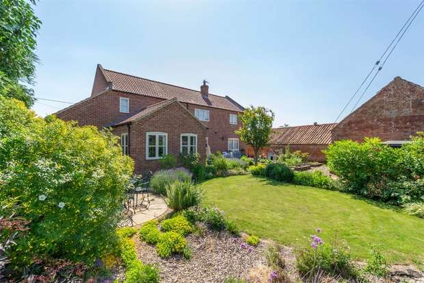 4 Bedrooms Detached House for sale in Barney