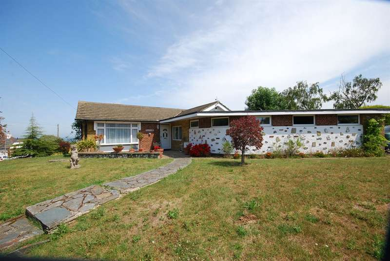 4 Bedrooms Detached Bungalow for sale in Clovelly Road, Whitstable