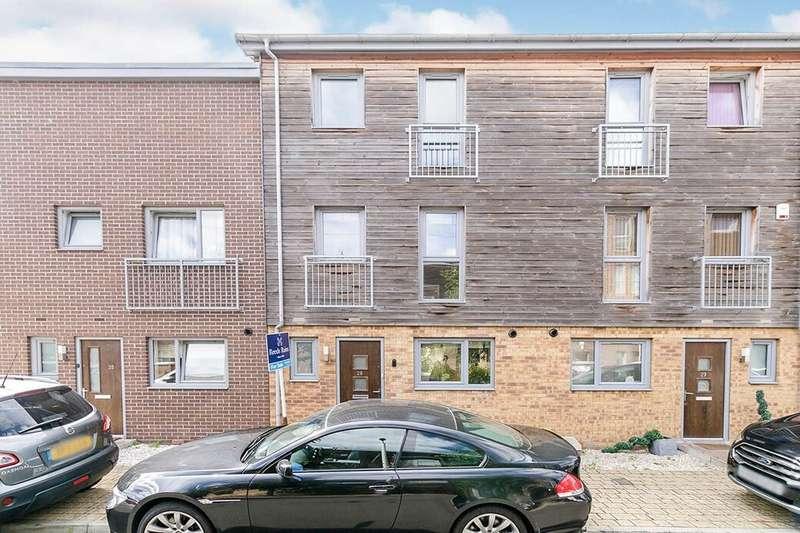 5 Bedrooms Property for sale in Sympathy Vale, Dartford, DA1