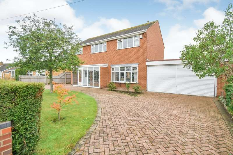 3 Bedrooms Detached House for sale in Highthorpe Crescent, Cleethorpes, Lincolnshire, DN35