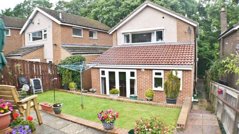 3 Bedrooms Detached House for sale in Ayton Close, Stocksfield, NE43