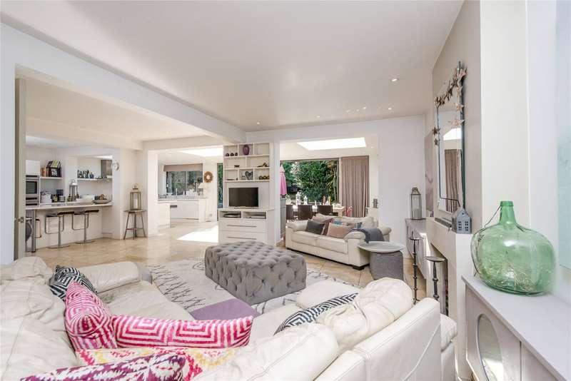 5 Bedrooms Detached House for sale in Somerset Road, London, SW19