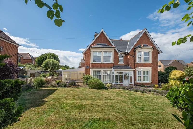 5 Bedrooms Detached House for sale in Cowes, Isle Of Wight