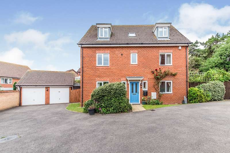 5 Bedrooms Detached House for sale in Hemony Grove, Hoo, Rochester, Kent, ME3