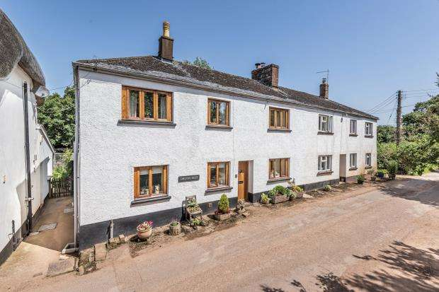 2 Bedrooms Semi Detached House for sale in Walson Cottages, Bow, Crediton, Devon
