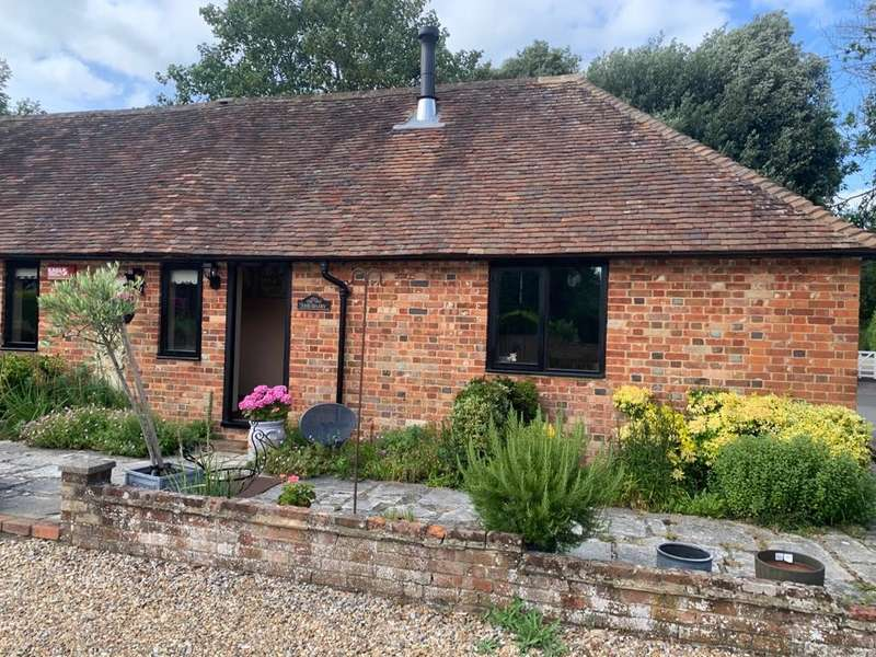 1 Bedroom Cottage House for rent in Westwell Court, Ashford