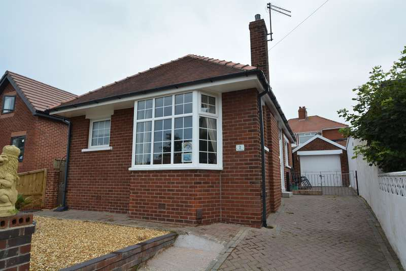 2 Bedrooms Detached Bungalow for sale in St Louis Avenue, Blackpool, FY3 7EJ