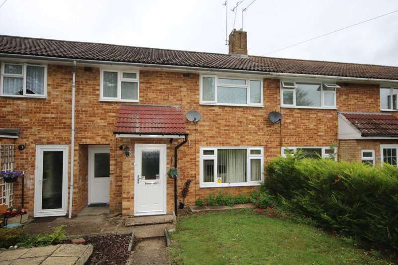 3 Bedrooms House for sale in Family Home with separate LOUNGE & DINING ROOM *** No Chain ***