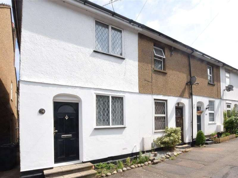 2 Bedrooms Terraced House for sale in Sparrows Herne, Bushey, Hertfordshire, WD23