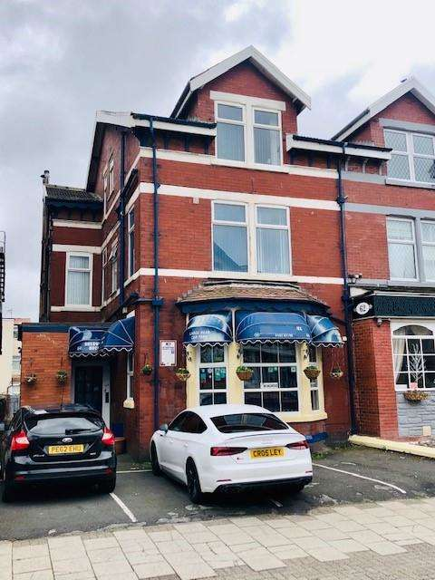 15 Bedrooms Hotel Commercial for sale in Reads avenue, Blackpool, FY1 4DE