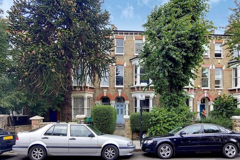 3 Bedrooms Flat for sale in St. Georges Avenue, London, London, N7