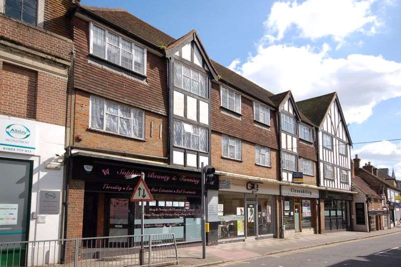 2 Bedrooms Property for sale in Church Street, Rickmansworth, WD3
