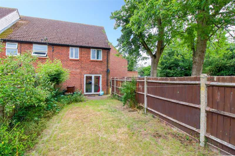 3 Bedrooms Terraced House for sale in Garrod Court, Holt Drive, Colchester, CO2