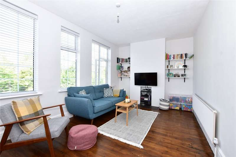 3 Bedrooms Flat for sale in Watford Road, Croxley Green, Rickmansworth, Hertfordshire, WD3