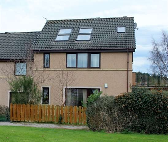 2 Bedrooms Property for rent in Ferryhill, Forres