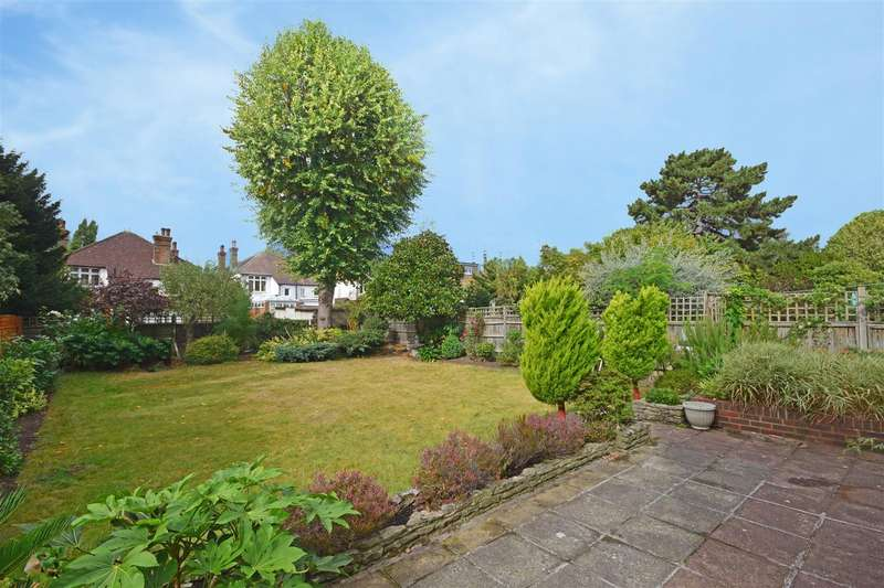 4 Bedrooms Detached House for sale in Cole Park Road, Twickenham