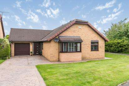 3 Bedrooms Bungalow for sale in The Elms, Hawarden, Deeside, Flintshire, CH5