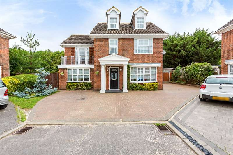 5 Bedrooms Detached House for sale in Kennedy Avenue, Basildon, Essex, SS15