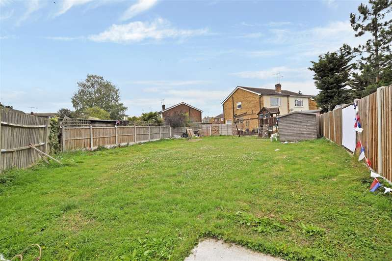 3 Bedrooms House for sale in Woodcote Way, Benfleet