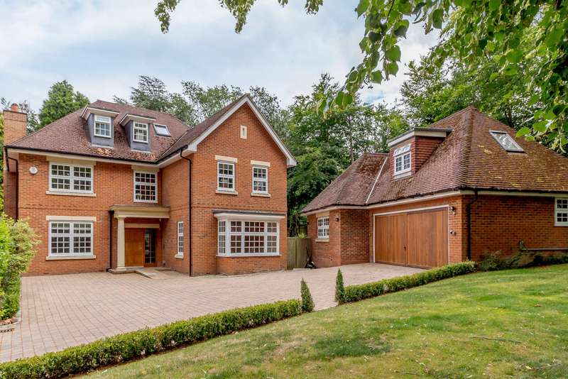 6 Bedrooms Detached House for sale in The Clump, Rickmansworth, WD3