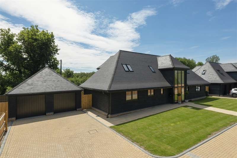 4 Bedrooms Detached House for sale in Molehill Road, Chestfield, Whitstable