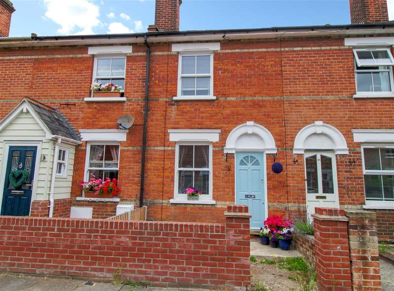 2 Bedrooms Terraced House for sale in Wickham Road, Colchester, Colchester, CO3
