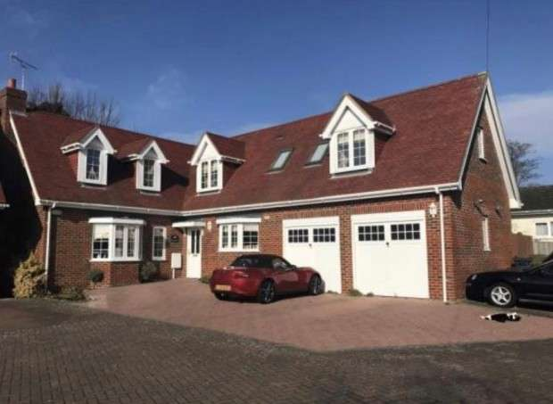 5 Bedrooms Detached House for sale in Lilycroft Heathfield Road, Maidstone, ME14