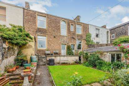 5 Bedrooms Terraced House for sale in Keighley Road, Colne, Lancashire, ., BB8