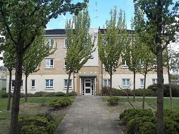 2 Bedrooms Apartment Flat for sale in Vermillion Court, Elvedon Road, Feltham