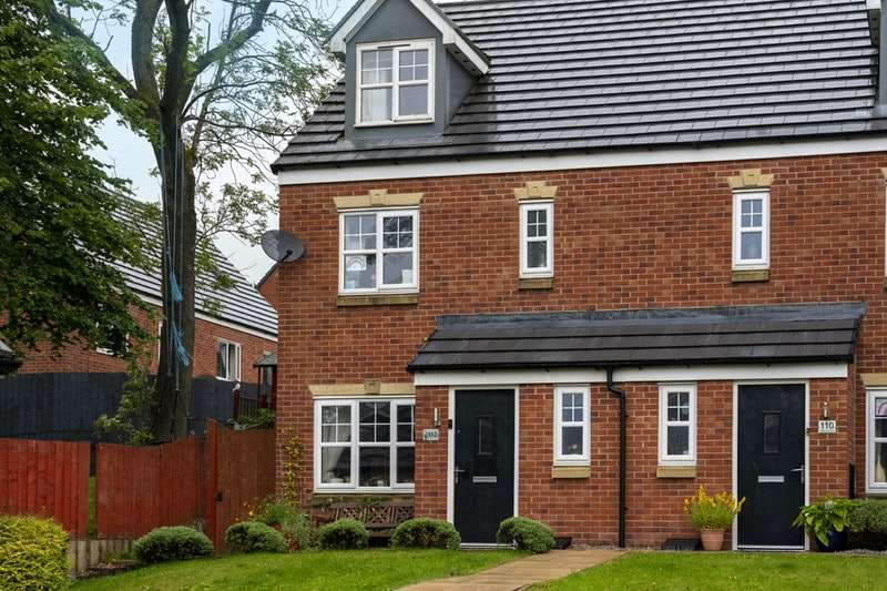 4 Bedrooms Semi Detached House for sale in Oakhurst Close, Rochdale, Greater Manchester, OL12