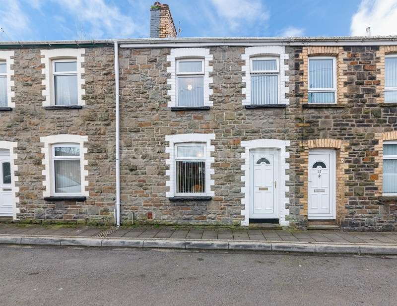 3 Bedrooms Terraced House for sale in Torlais Street, Newbridge, Newport. NP11