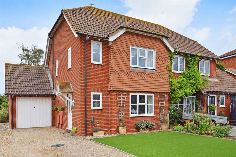 3 Bedrooms Semi Detached House for sale in Hazlemere Road, Whitstable