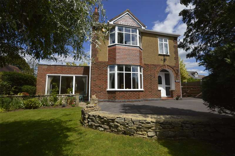 3 Bedrooms Detached House for sale in Bristol Road, Stonehouse, Gloucestershire, GL10