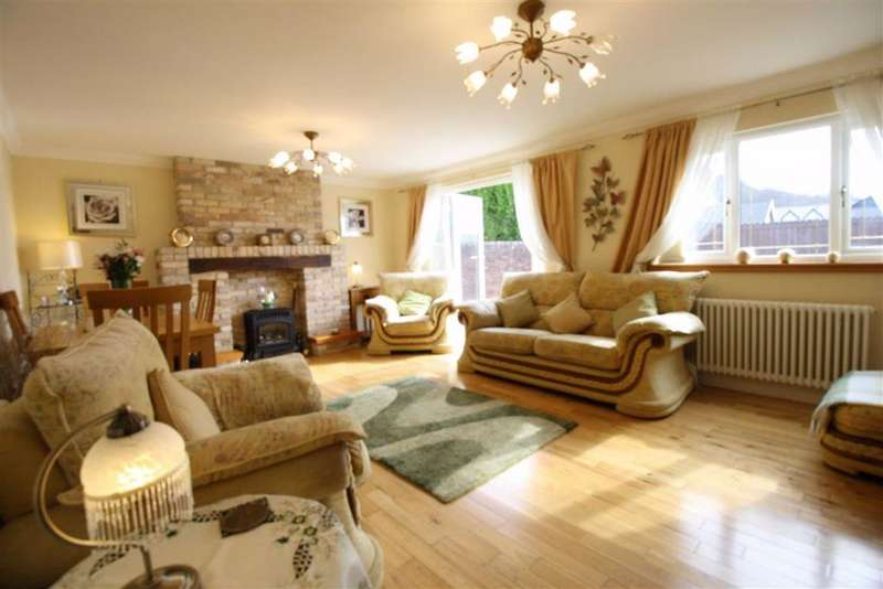 3 Bedrooms Detached Bungalow for sale in Elan Close, Cwmbach, Aberdare, Aberdare