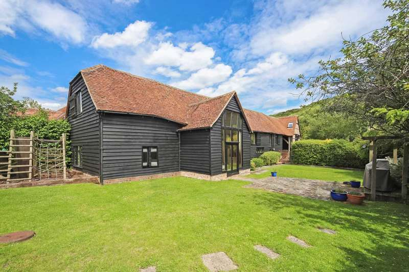 5 Bedrooms Barn Conversion Character Property for sale in Stocks Road, Tring