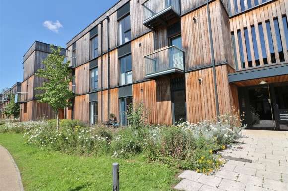 2 Bedrooms Apartment Flat for sale in Charles Court, Clock House Gardens, Welwyn
