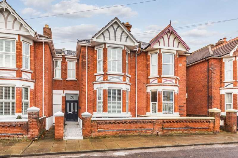 5 Bedrooms Terraced House for sale in Bembridge Crescent, Southsea, PO4
