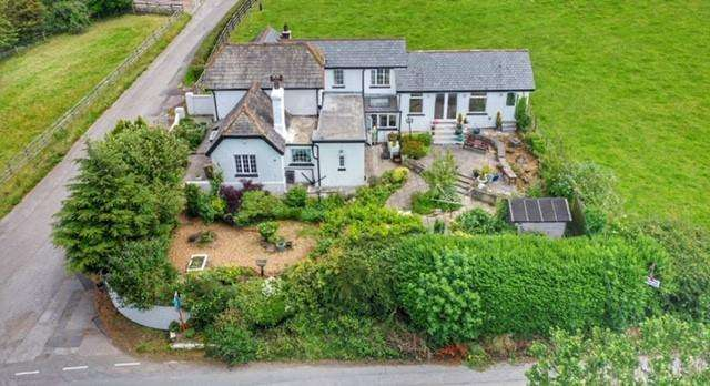 4 Bedrooms Detached House for sale in Askam In Furness