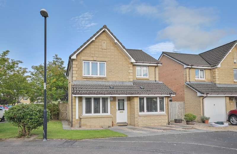 4 Bedrooms Detached House for sale in Ben Lomond Drive, Stirling, FK9