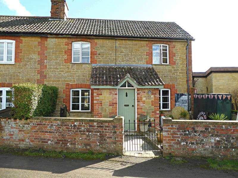 2 Bedrooms Property for sale in Water Street, East Lambrook
