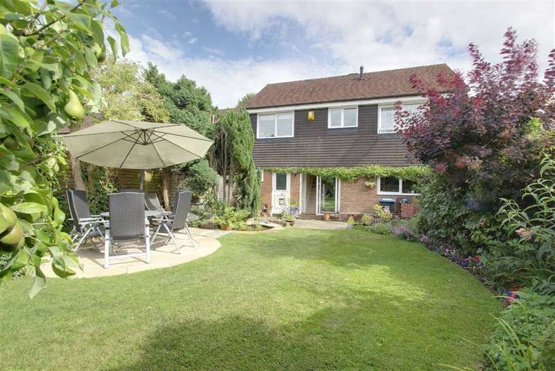 4 Bedrooms Detached House for sale in Kings Langley, Hertfordshire