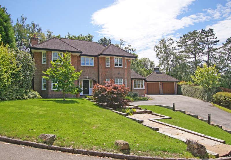 5 Bedrooms Detached House for sale in Ingeva Drive, Barnt Green, B45 8FD