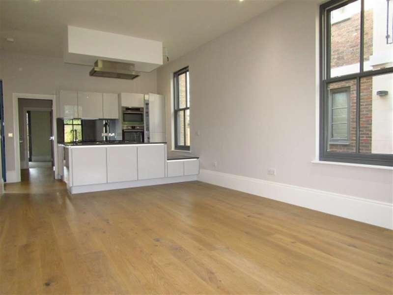 2 Bedrooms Flat for sale in Crown House, Crown Drive, Farnham Royal, Berkshire, SL2 3EE