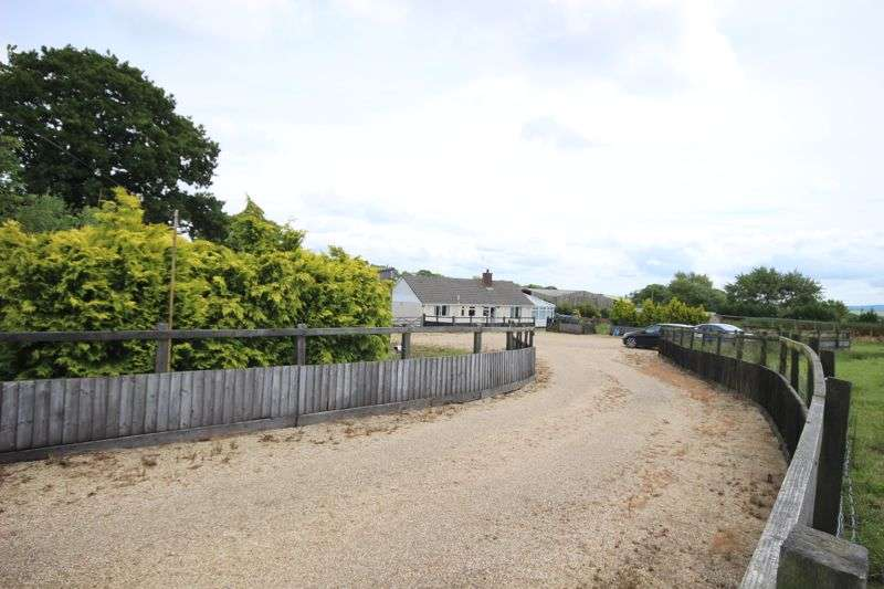 4 Bedrooms Detached Bungalow for sale in Morchard Bishop, Crediton