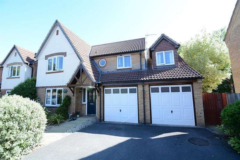5 Bedrooms Detached House for sale in Ebblake Close, Verwood