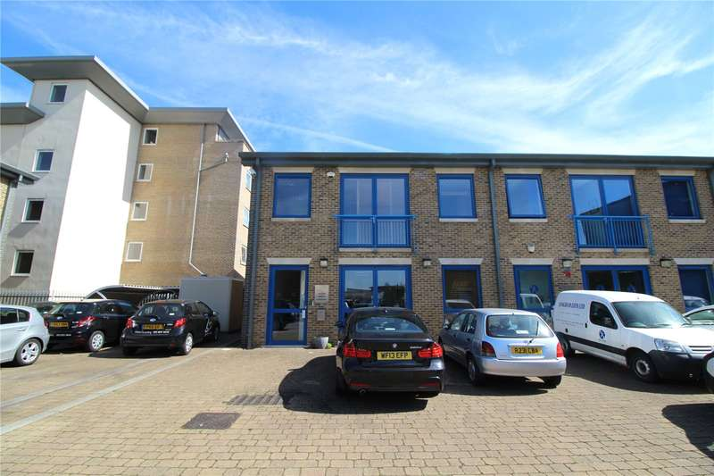 Office Commercial for rent in Gateway Mews, Bounds Green, London, N11