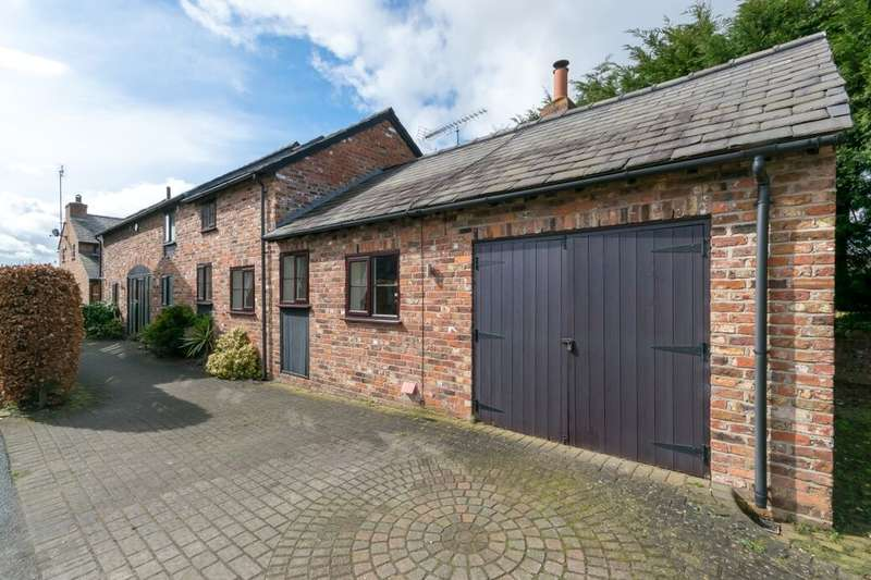 4 Bedrooms Detached House for sale in Chester Road, Sutton Weaver, WA7